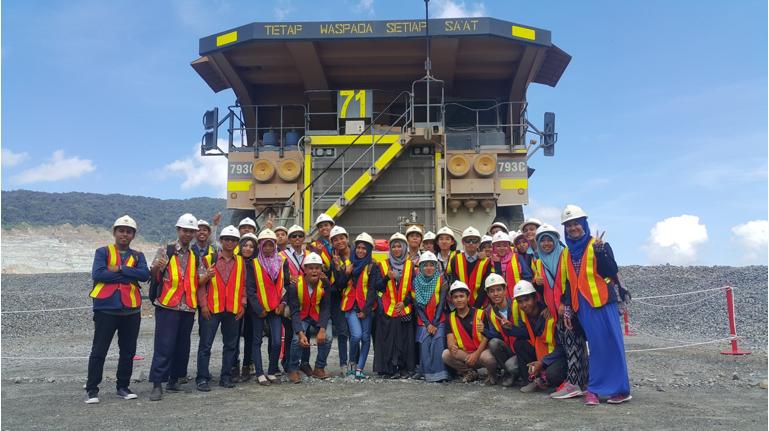 Kegiatan Ekskursi Dosen dan mahasiswa FTT Ke PT. Newmont Nusa Tenggara (PT. NNT) (Maret 2016).