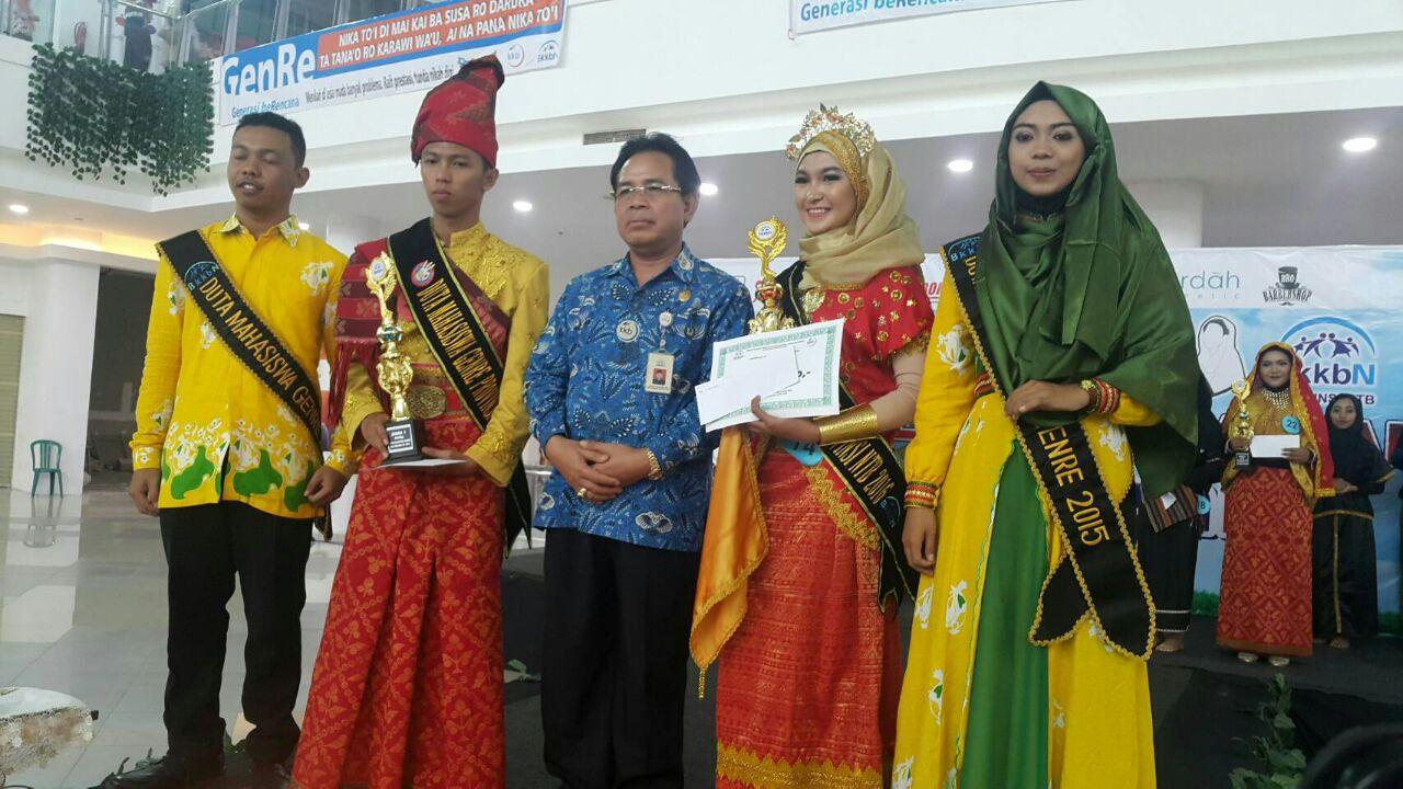 Foto bersama royhana dan team BKKBN NTB