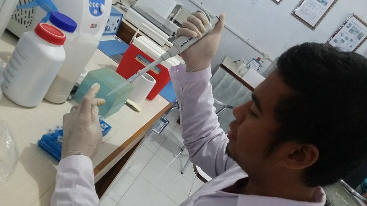 Rian Adha Ardinata dalam Laboratorium