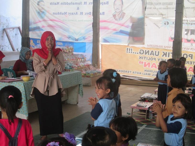 Sambut Hut Ri Ke 71 Tim Kkn Uts Desa Sebasang Gelar Lomba Mewarnai Anak Anak Universitas Teknologi Sumbawa