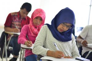 Mahasiswa Ujian
